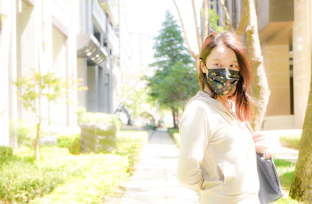 幾米成人平面醫用口罩 (20入)-我不是完美小孩款(黑)【JM0100210304】