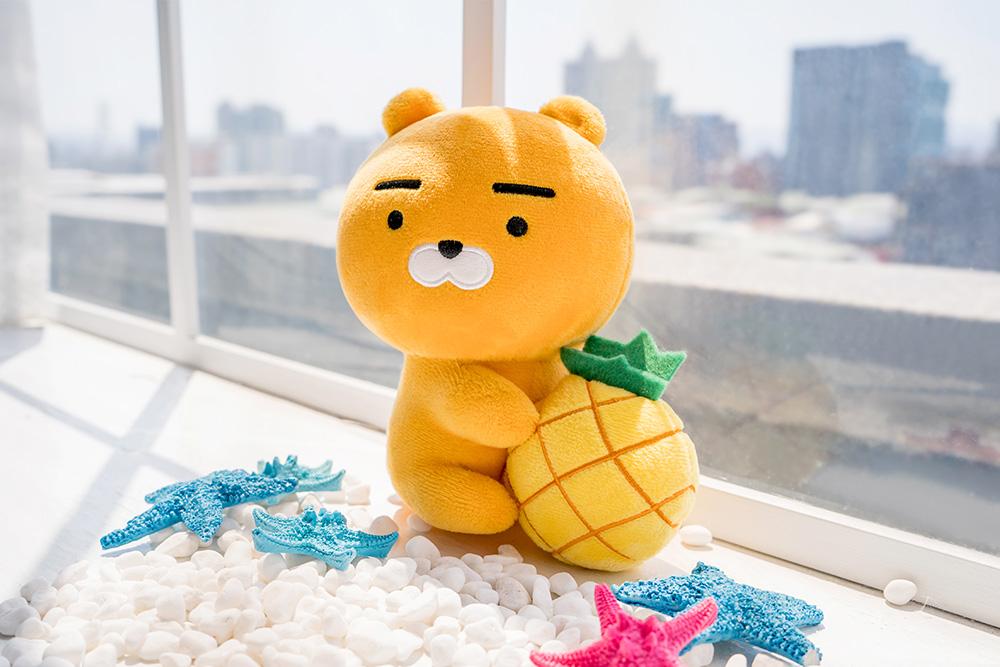 Kakao Friends夏日系列-Ryan抱鳳梨款16CM【KF1816200503】